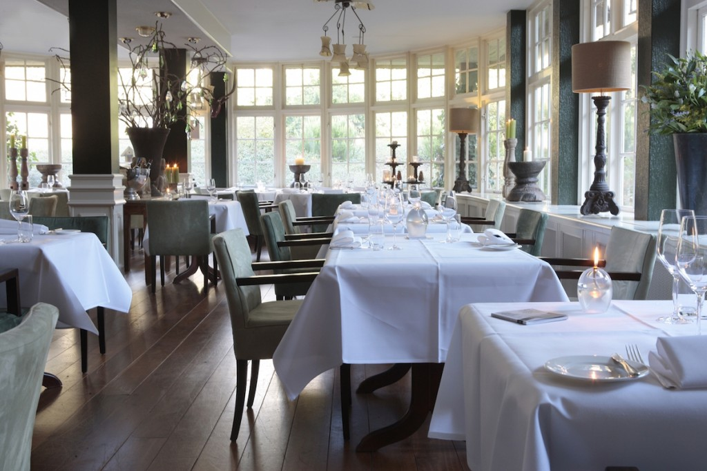restaurant1 1200